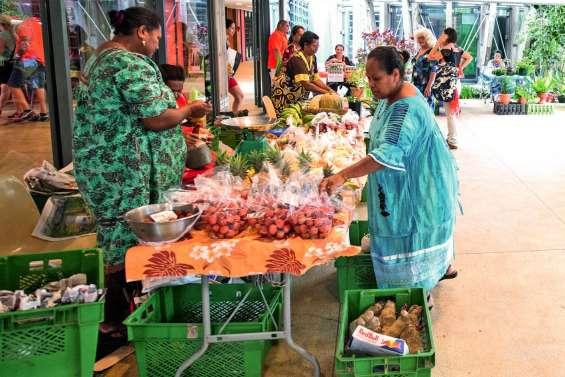 Avant-dernier marché des femmes rurales de l'année au centre Tjibaou