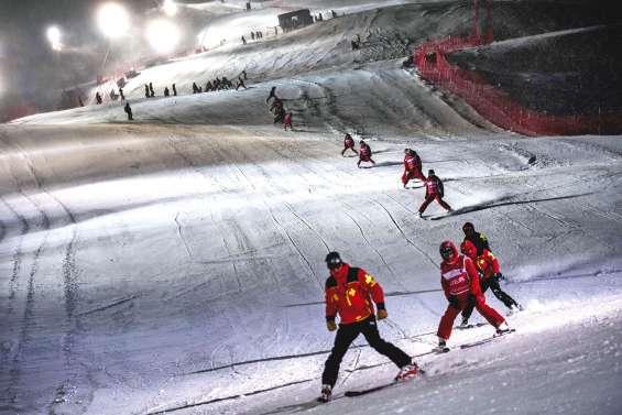 Val-d'Isère : le travail de l'ombre des préparateurs de pistes