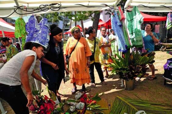 Le marché de Noël déborde de la cour du musée de Nouvelle-Calédonie