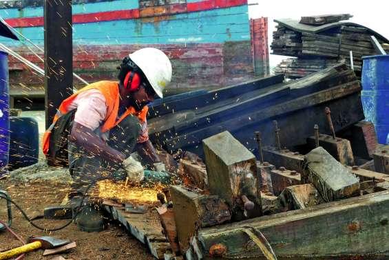 La déconstruction des blue boats, un chantier aux vertus sociales