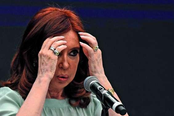 L'ex-présidente Kirchner sera bien jugée pour un système de corruption