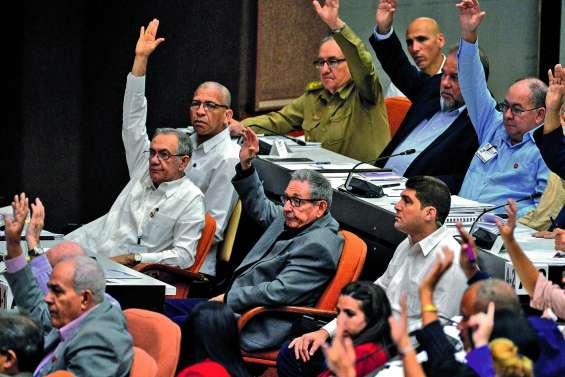 Toujours communistes,  les Cubains s'ouvrent au marché