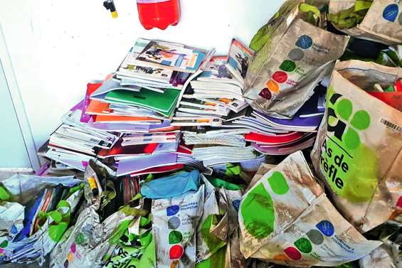 Dumbéa-sur-Mer : parents d'élèves cherchent matériel