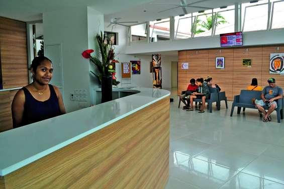 Le nouveau hall d'accueil de la mairie plaît aux Mondoriens