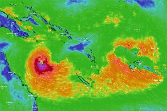 Deux systèmes tropicaux autour de la Calédonie