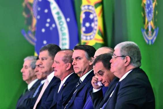 L'administration Bolsonaro lance « le grand nettoyage »