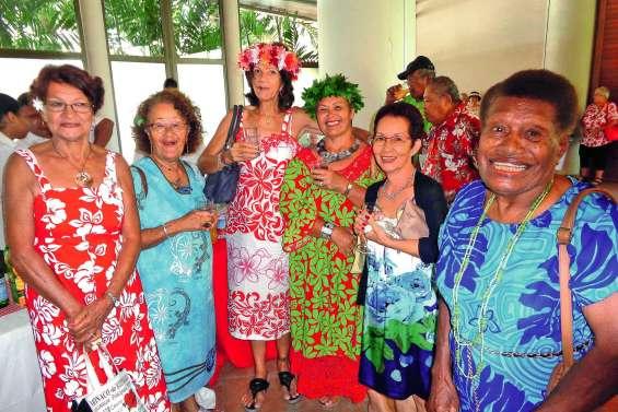 270 seniors en goguette à Nouméa