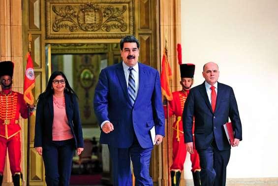 Maduro : un deuxième mandat contesté dans un pays en lambeaux