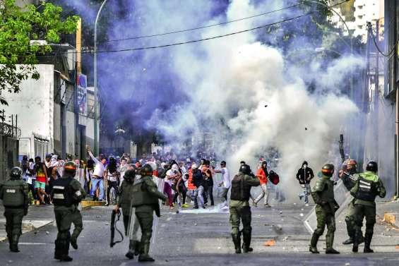 L'opposition dans la rue pour rallier l'armée
