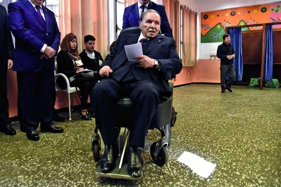 Bouteflika, même affaibli, brigue un cinquième mandat