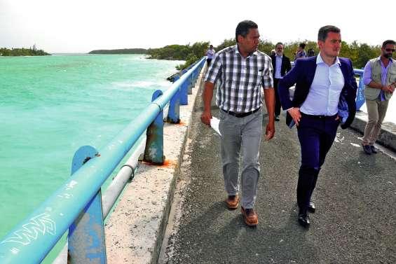 Le ministre sur le pont de Mouli, un chantier d'envergure bientôt lancé