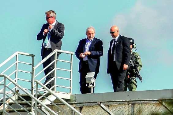 Lula de retour en prison après les obsèques  de son petit-fils