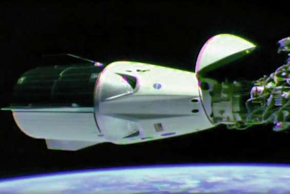 Dragon est arrivée à la Station spatiale internationale