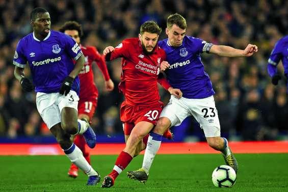 Liverpool perd la première place à Everton