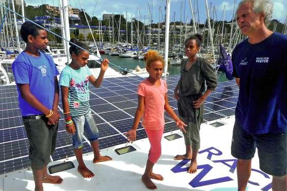 Quatre élèves de Dö mwâ sur le Race for Water