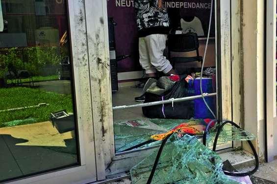 Les sirènes intrusions ont retenti au siège de la Croix-Rouge