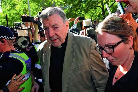 Une plainte civile déposée contre le cardinal Pell