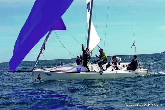 La « NewCal Sailing Team » aux France