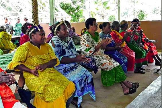 Un moment d'échanges  entre associations  de femmes