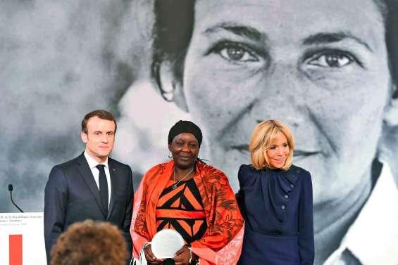 Macron remet le premier prix Simone-Veil à une Camerounaise