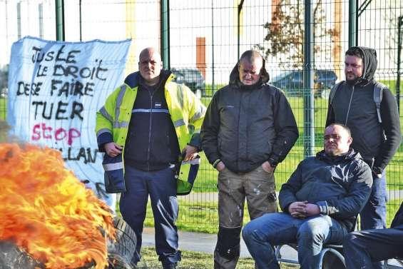 Cinquième jour de blocage à la prison de Condé-sur-Sarthe