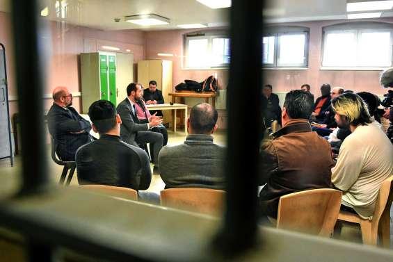 Grand débat pour les détenus à Douai