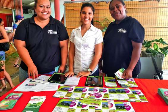 Les ambassadrices du réseau Tanéo tiennent des permanences au marché