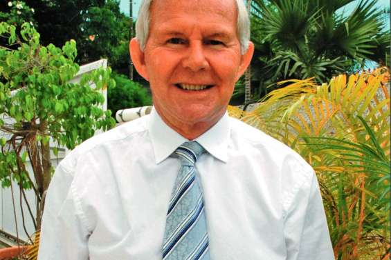 Bernard Marant fait maire honoraire