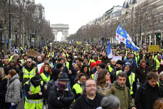 Les « gilets jaunes » lancent samedi un « ultimatum » à Macron