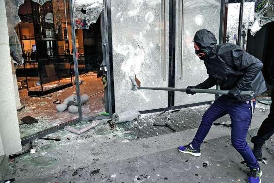 Un acte 18 marqué par un fort regain de violences à Paris