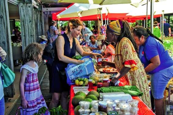 Au centre Tjibaou, le marché des femmes rurales repart sur sa lancée