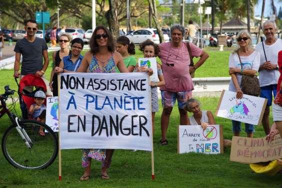 150 personnes pour le climat à l'Anse-Vata