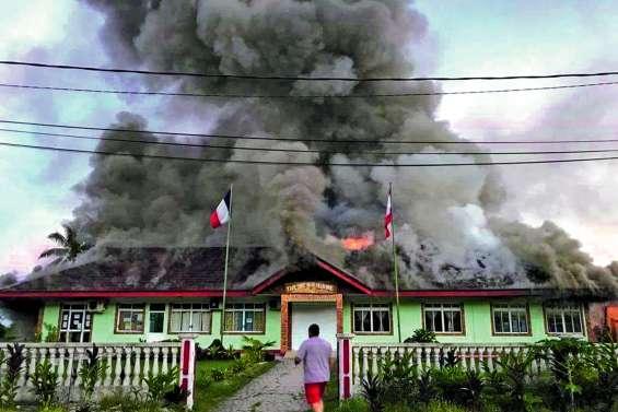 La mairie de Huahine détruite par un incendie