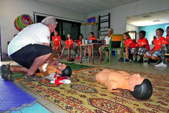 Les conseillers municipaux juniors formés aux premiers secours
