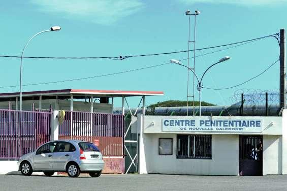 Un surveillant du Camp-Est agressé par un détenu