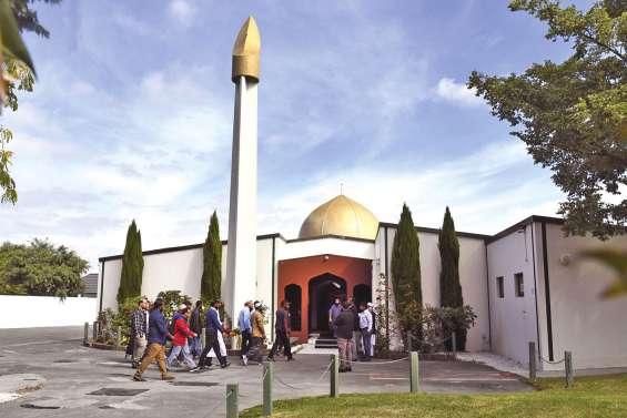 Les fidèles de retour  à la mosquée  de Christchurch