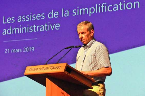 « Illisible », trop dispersée :  l'administration doit être « simplifiée »