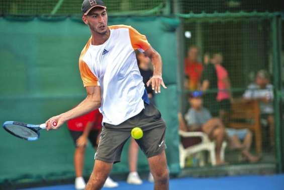 Bosko Novakovic gagne le tournoi international d'Auteuil