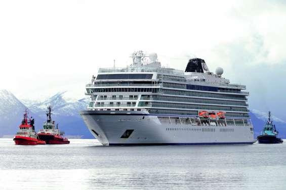 le Viking Sky rejoint un port après avoir frôlé le drame