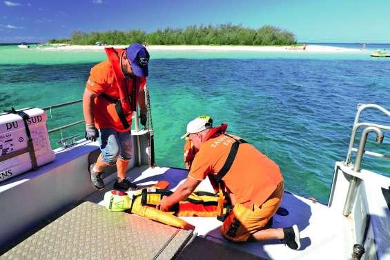 Les secours en mer s'entraînent avant l'ouverture de la station