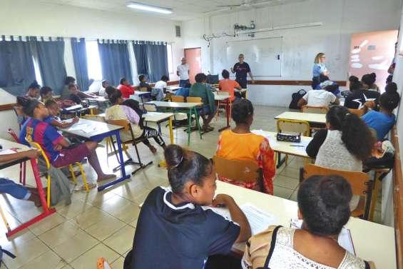 Un minicarrefour des métiers organisé par le lycée des îles