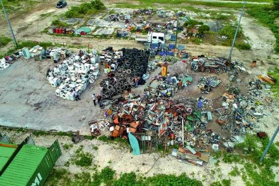 Maré est débarrassée  de ses déchets réglementés