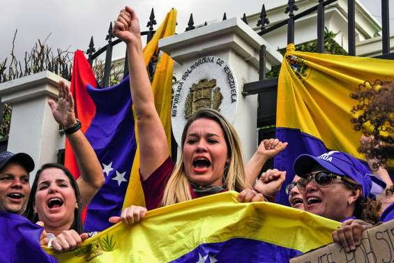 Guaido appelle à poursuivre la lutte après une tentative de soulèvement