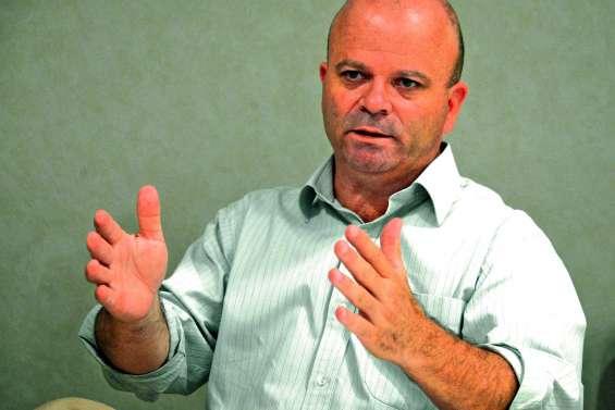 « S'il n'y a pas de changement radical,  la Nouvelle-Calédonie ira dans le mur »