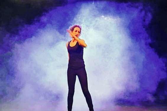 Célia Chabut se lâche et le public du centre culturel apprécie