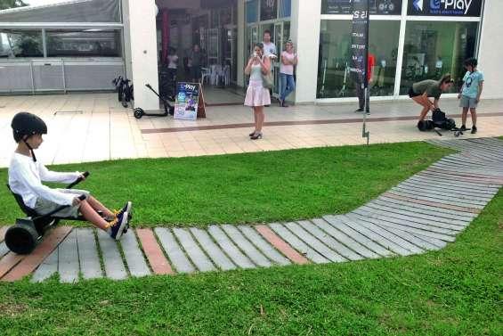 Une petite piste de karting  pour le plaisir des enfants