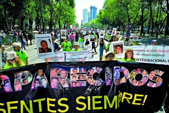 Les mères de disparus manifestent à travers le pays