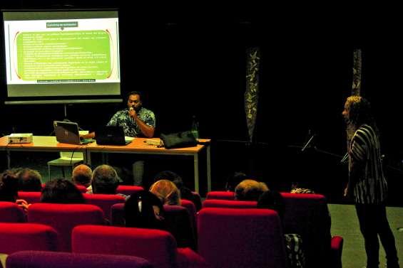 La conférence sur les langues kanak a trouvé son public