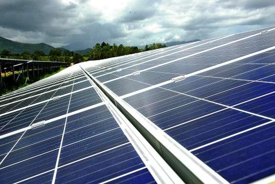 Transition énergétique : l'exécutif revoit ses objectifs à la hausse