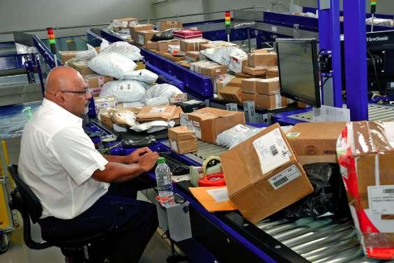 Les tarifs postaux bientôt alignés sur ceux de la Métropole ?